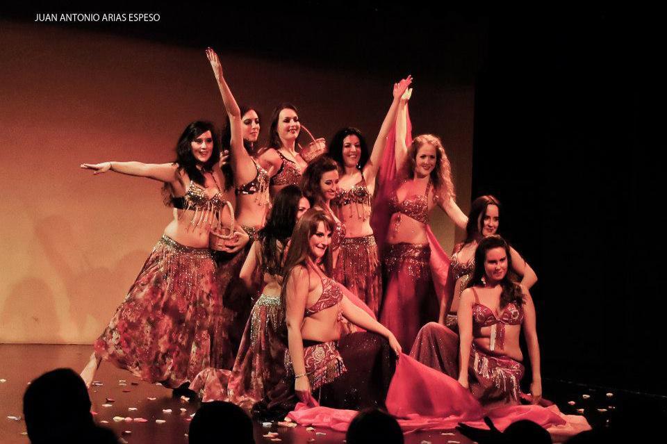 Vailarinas de compañia Sáhara de Espectáculos y eventos de danza del vientre oriental